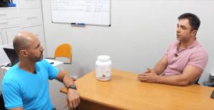 O personal trainer Magnus entrevistando o nutricionista esportivo Ney Felipe